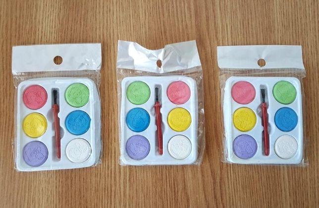 3 seturi de acuarele de calitate cu pensule incluse