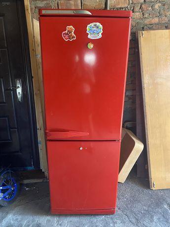 Продам холодильник ' плиты электрические стиралку полуафтомат