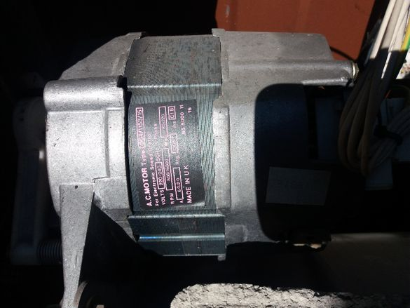 Електродвигател /почти нов/ от пералня - английски