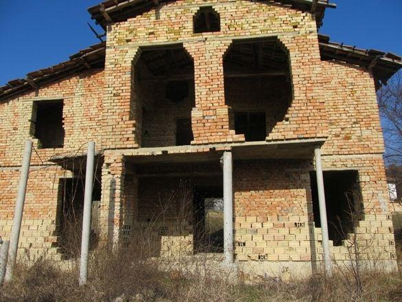 Къща в село Подгорица
