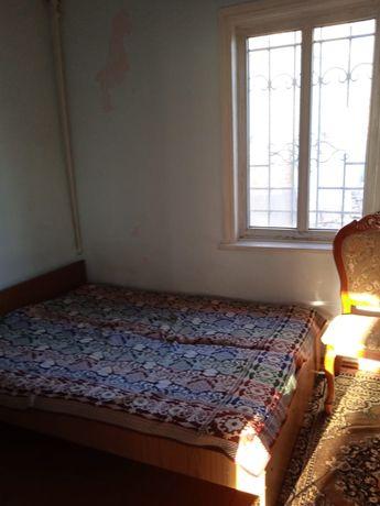 Продам мебель б у, стулья кровати , газ плита