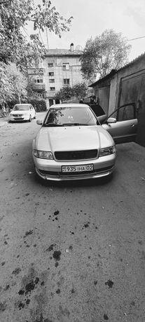 Машина Audi a4 B5