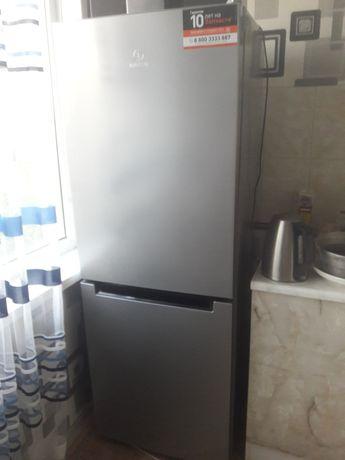 Холодильник почти новый