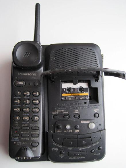 Безжичен телефон Panasonic с телефонен секретар.