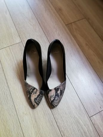 Дамски обувки на Clarks