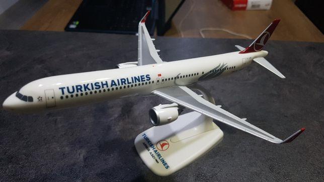 Macheta avion Turkish Airlines