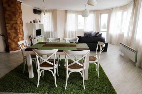 Тристаен апартамент в Кючук Париж