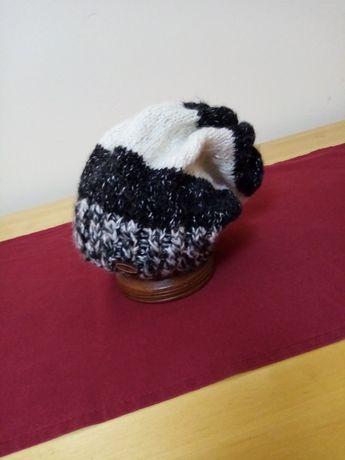 Caciuli tricotate manual