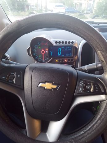 Продам автомобиль Chevrolet Aveo 2014 года выпуска полный электро паке