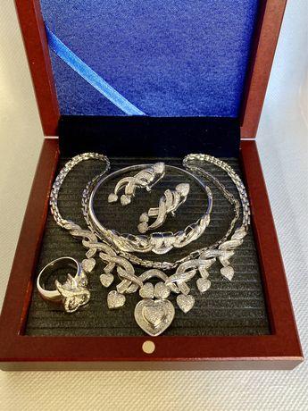 Set aur alb 18 kt.cu diamante