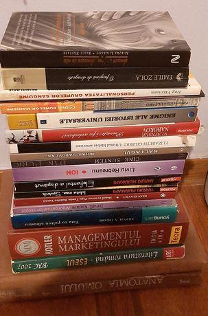 Vând cărți(preț între 10-50 lei,negociabil)