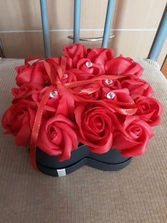Aranjament din trandafiri de sapun