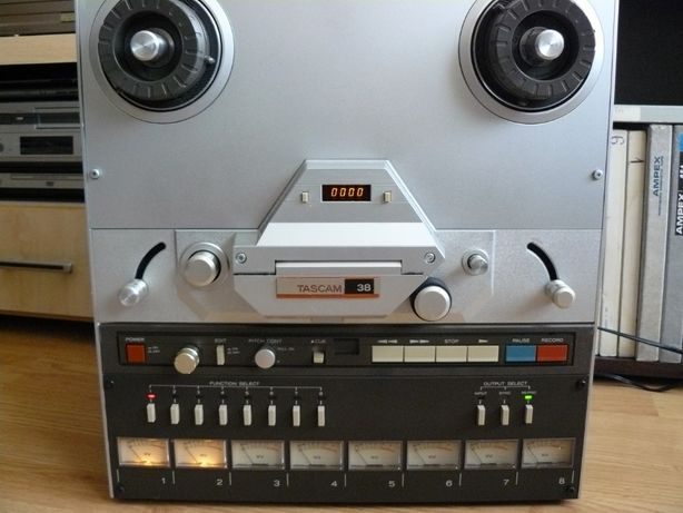 Magnetofon Tascam 38 pe 4 piste