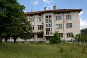 Сграда с прилежащ парцел в гр.Бобошево