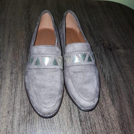 Pantofi Femei din piele întoarsă.