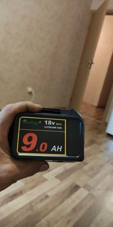 Продавам батерия за Dewalt инструменти 9ah 18 волта