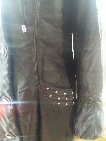 Продам плащ-куртку весна/осень 5000 тенге
