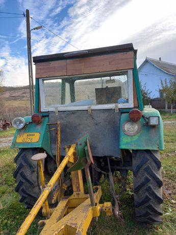 Vând tractor deutz
