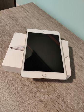 Vand tableta iPad mini 4 Wifi + Cellular, 16GB memorie, versiunea Gold