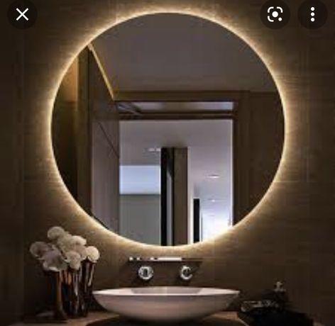 Продам новое в коробке зеркало в ванну с Led-подсветкой. Размер 70*70.
