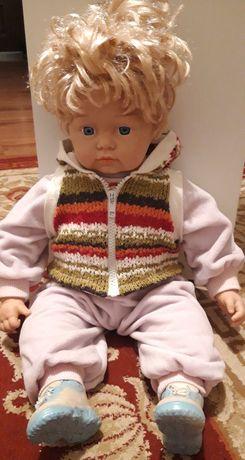 Куклы в хорошем состоянии оба за 5000 тг