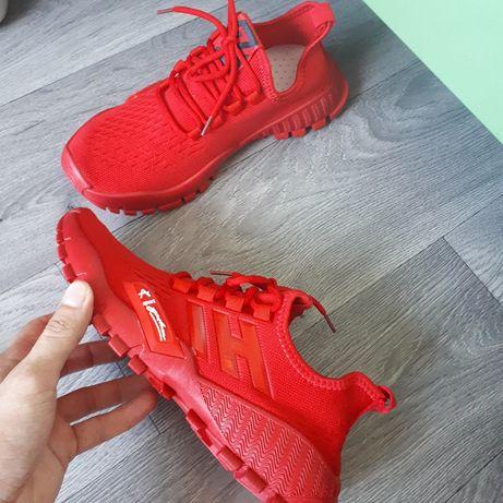 Новые мужские красные кроссовки