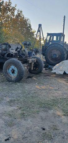 Нужен  механизатор  собрать  трактор  МТЗ 80 и Т -40