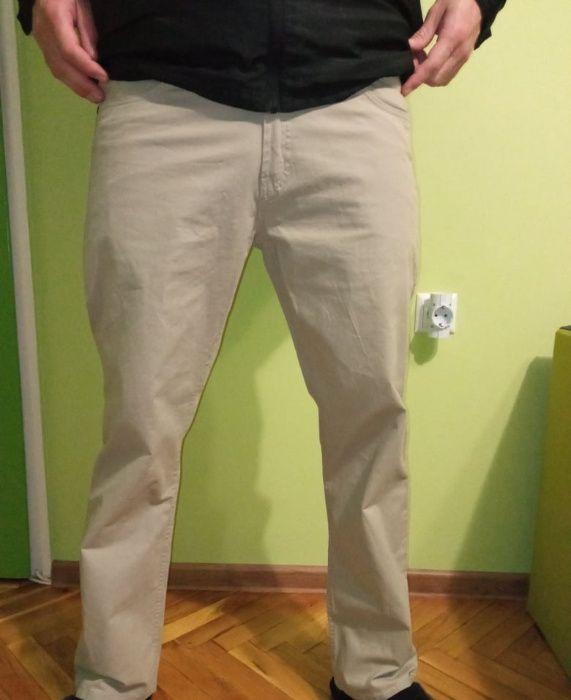 Hugo Boss - оригинален мъжки панталон, като нов!