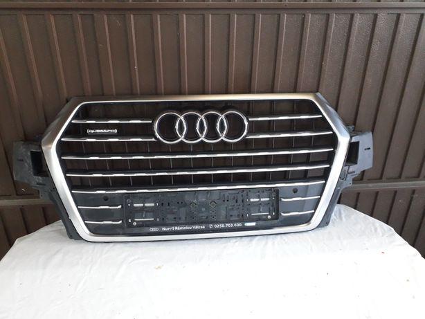 Grila radiator Audi Q7 2015