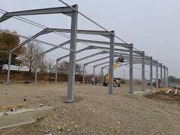 Vindem structură metalică de pe stoc