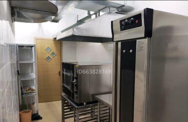 Кухня под доставку , с оборудованием
