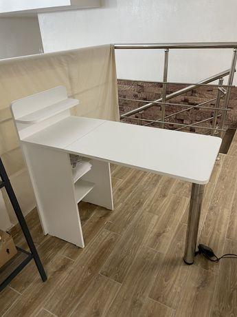 Маникюрный стол 16000