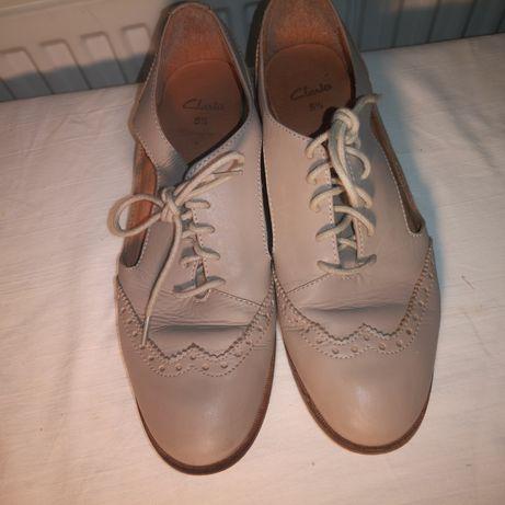 Lot pantofi Clark's si 3 fuste creion