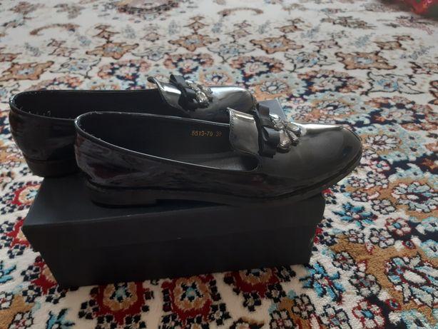 Женская обувь 5000т
