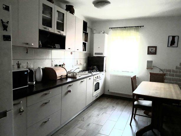 Schimb /vând apartament din Floreşti cu casă la țară