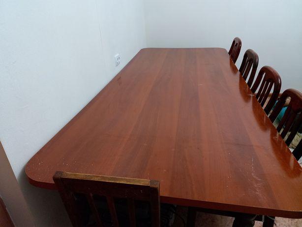 Продам стол со стулями гостинный