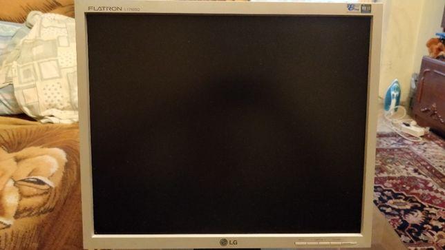 """Monitor LG Flatron 17"""" L1750SQ"""
