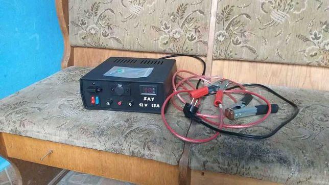 Redresor/ Incarcator baterii   12 v- 13 A