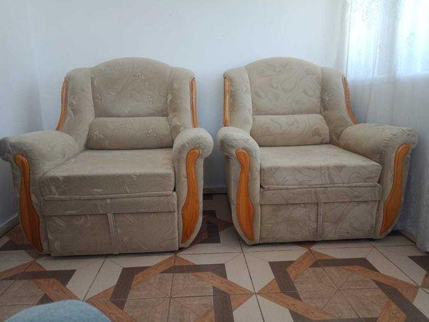 Продам 2 (два) кресло кровати в отличном состоянии.