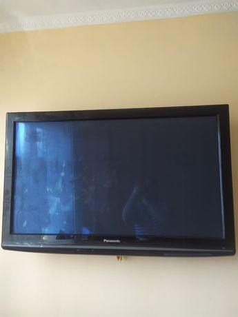 Телевизор жидкокристаллический,   Panasonic. Диагональ 116см.