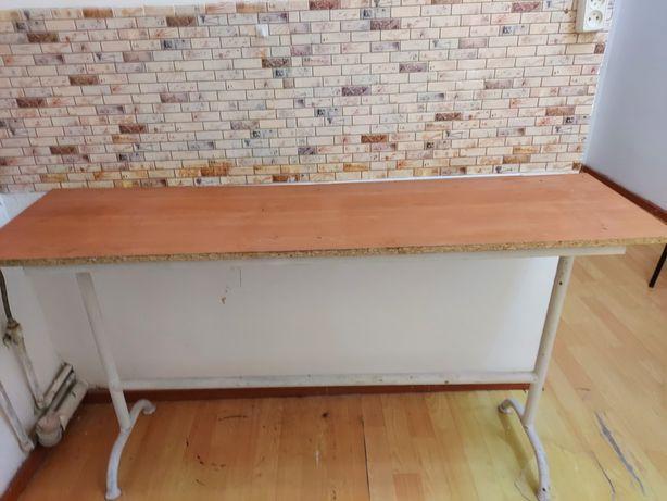 Стол кухонный за 2000тг