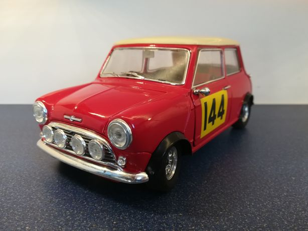Mini cooper S 1964, macheta auto scara 1:16, solido