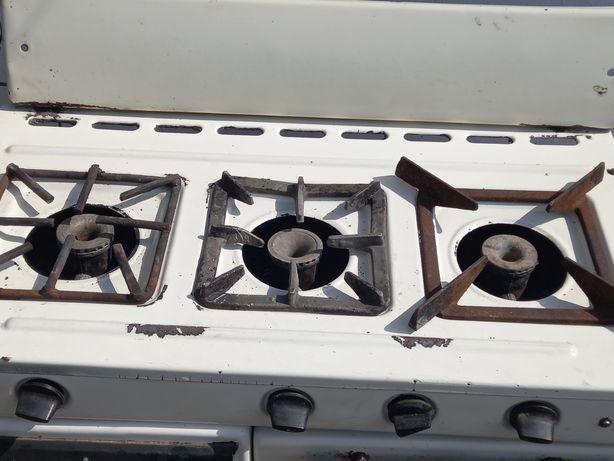 Продам ГАЗ плиту 3 конфорок находится город уштобе газ плита