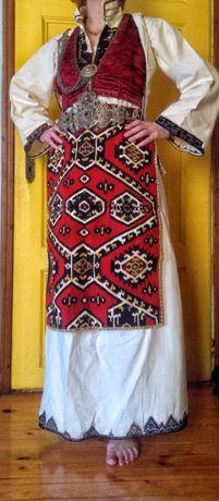 Автентична женска Македонска носия от Куманово