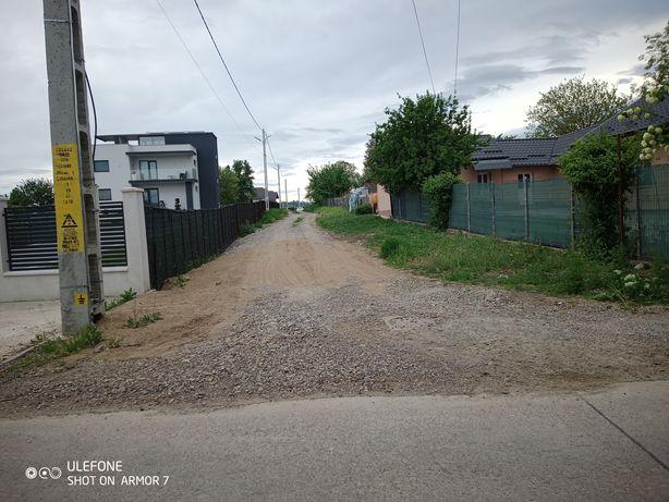 Loc de casă cu utilitățile la poartă