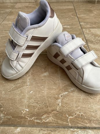 Детски маратонки адидас, adidas с подарък кецове Frozen 25