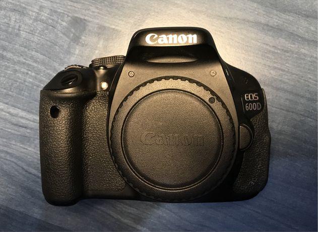 Body aparat foto Canon 600D