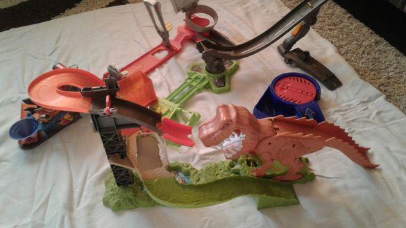 Писти Hot Wheels/Хот Уилс,детски автоцентър със звукови ефекти и други