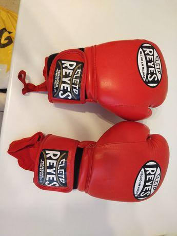 Срочно продам боксерские перчатки Cleto Reyes!