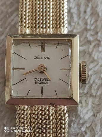 Златен часовник JEEVA